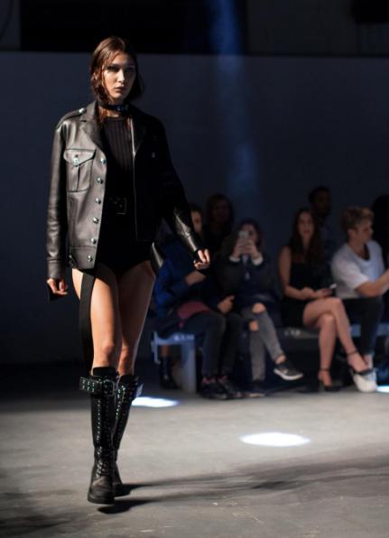 sexy-botas-cuero-london-fashion-week-2016